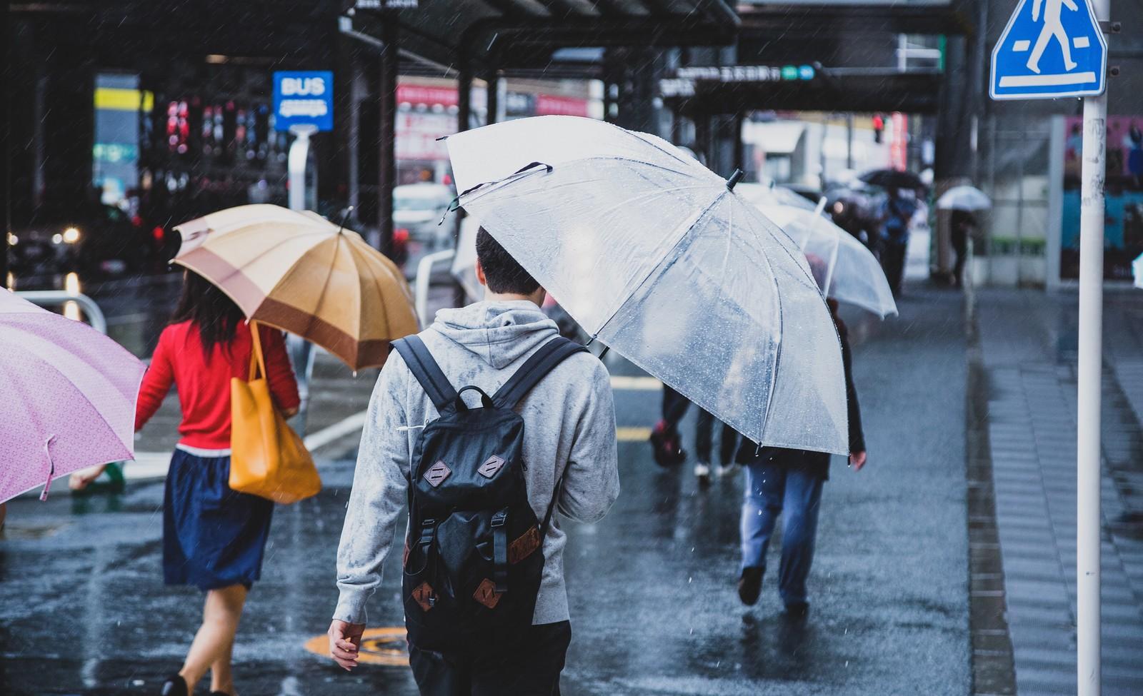 除湿機VSエアコン!大雨&台風で異常に高くなった湿度を下げる方法(改訂版)