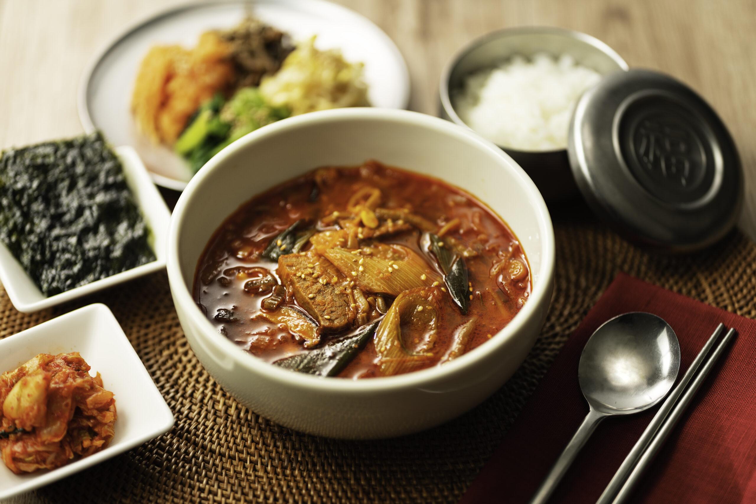 《ロイヤルデリ》 世界各国の味をご家庭で!「冬野菜を食べるスープ」が2月1日より販売開始に