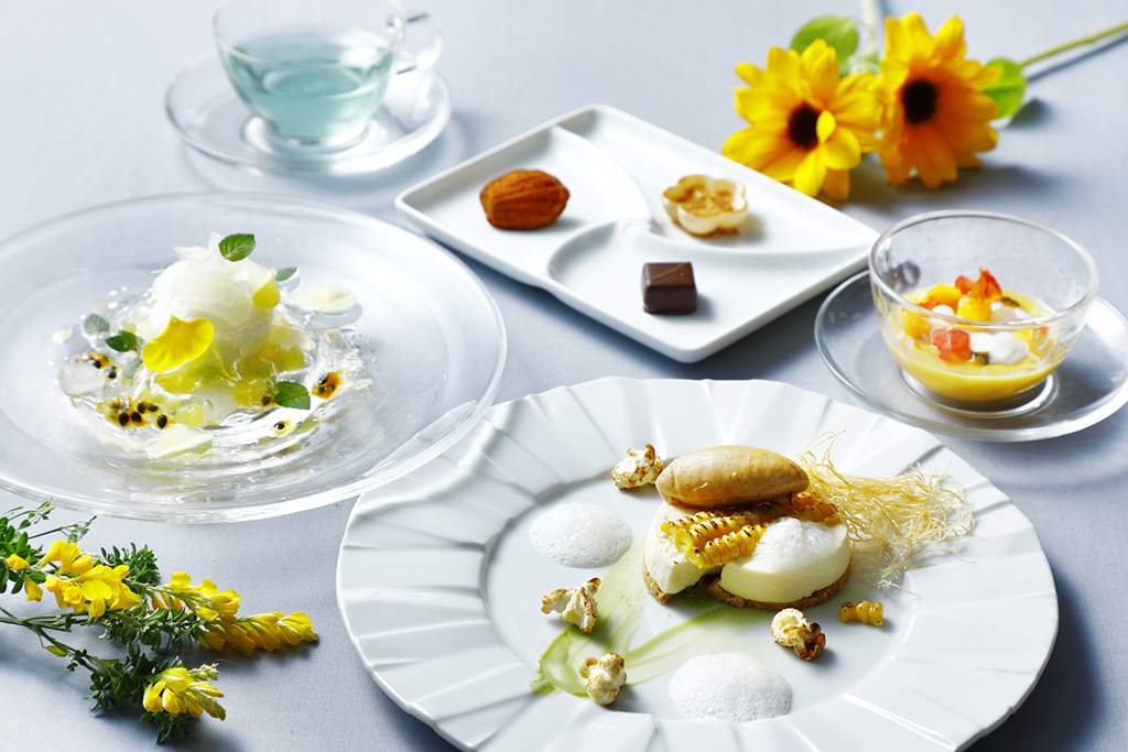 小田急ホテルセンチュリーサザンタワーでデザートフルコースはいかが?ヘルシーをテーマに夏野菜をあしらったデザート4品